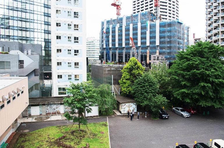 屋上から見渡すかつての校庭だった場所