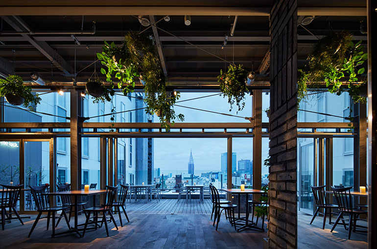 13階にある「roof top bar & terrace G」
